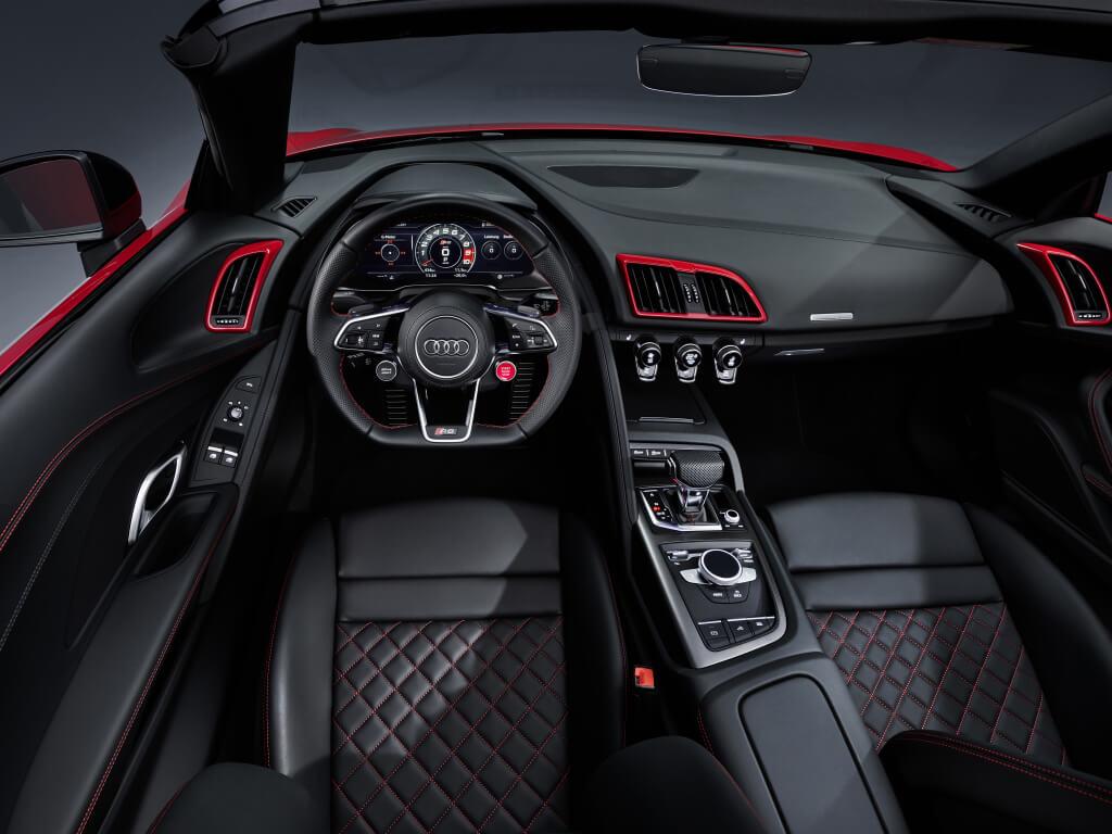 Audi R8 RWD, interior.