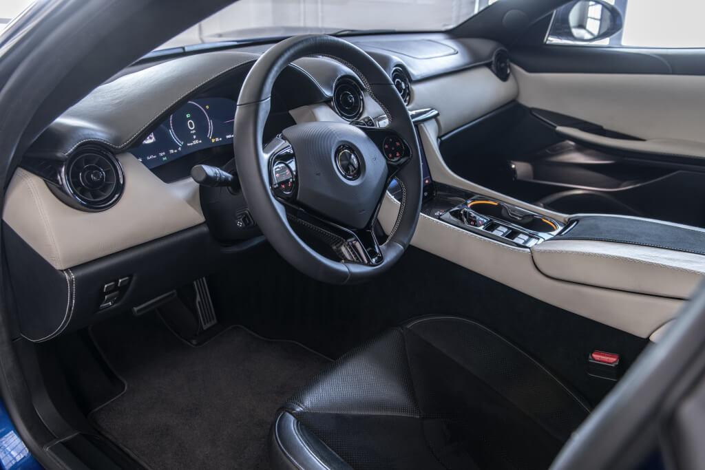 Karma Revero GTS: interior.