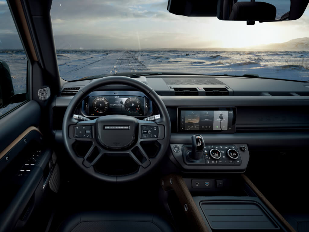 Interior del Land Rover Defender 2020.