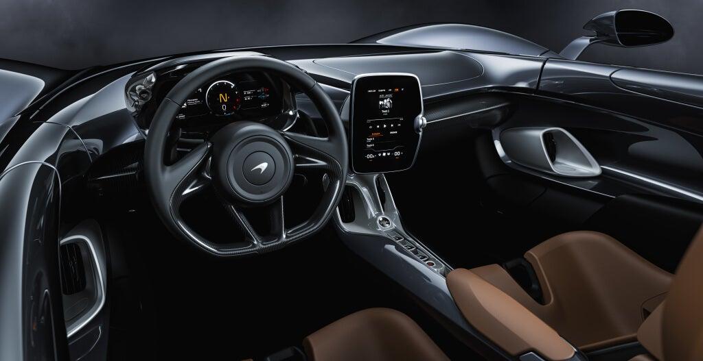 McLaren Elva: interior.