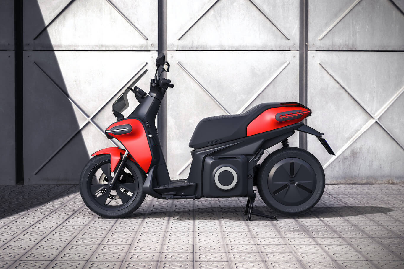 Seat e-Scooter, diseño lateral.
