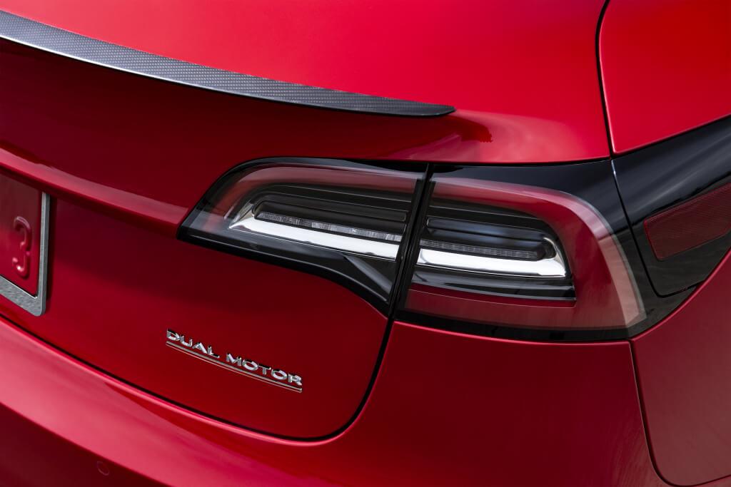 Tesla Model 3 Performance: detalle.