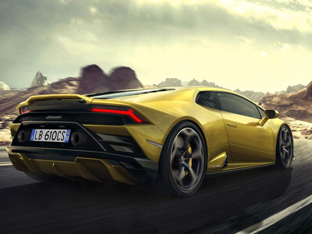 trasera del Lamborghini Huracan Evo RWD.