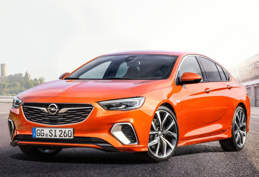 Opel Insignia GSi 2020, frontal.