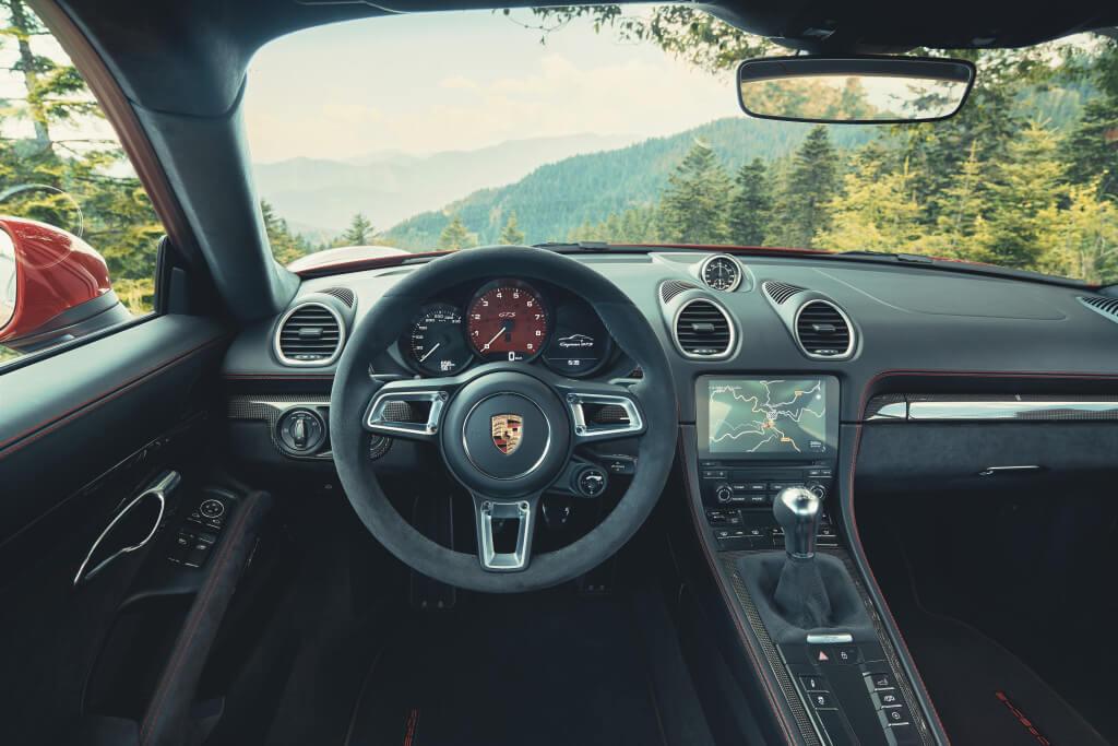 Interior del Porsche 718 GTS 4.0.