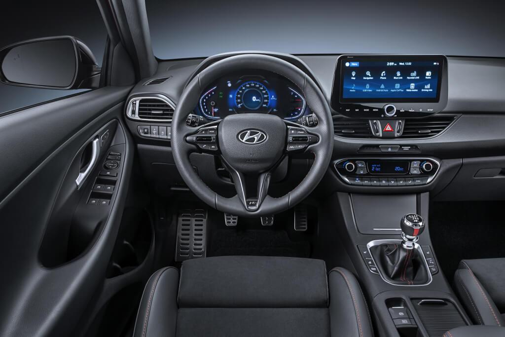 Hyundai i30 2020, interior.
