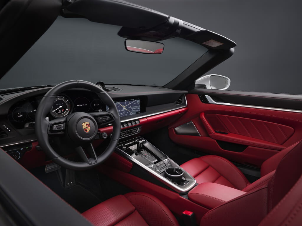 Porsche 911 Turbo S (992), interior.