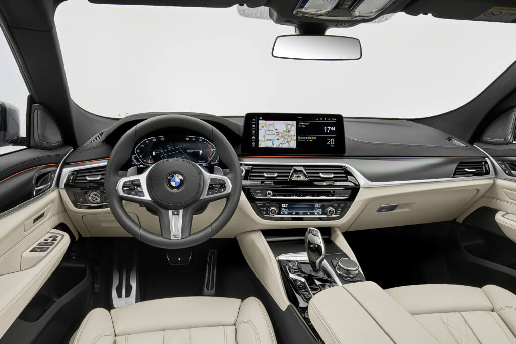 BMW Serie 6 GT 2021, salpicadero.