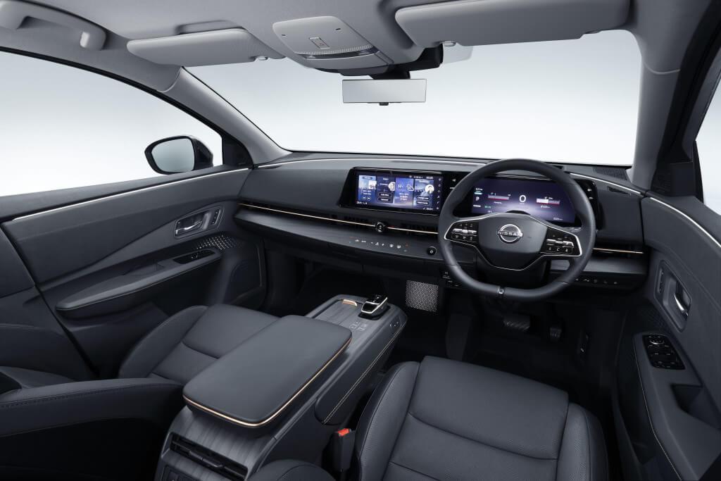 Nissan Ariya: interior.