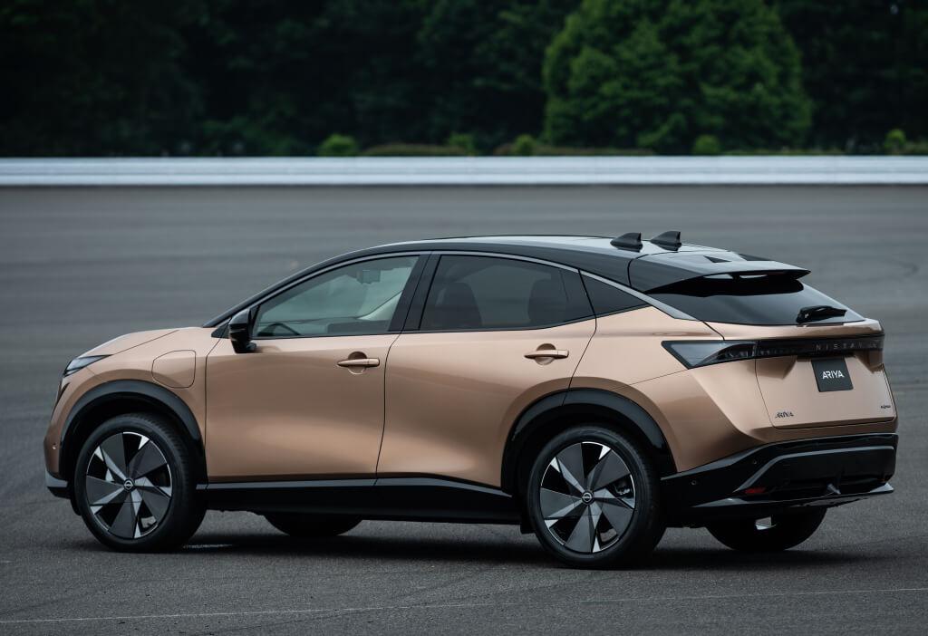 Nissan Ariya: trasera.