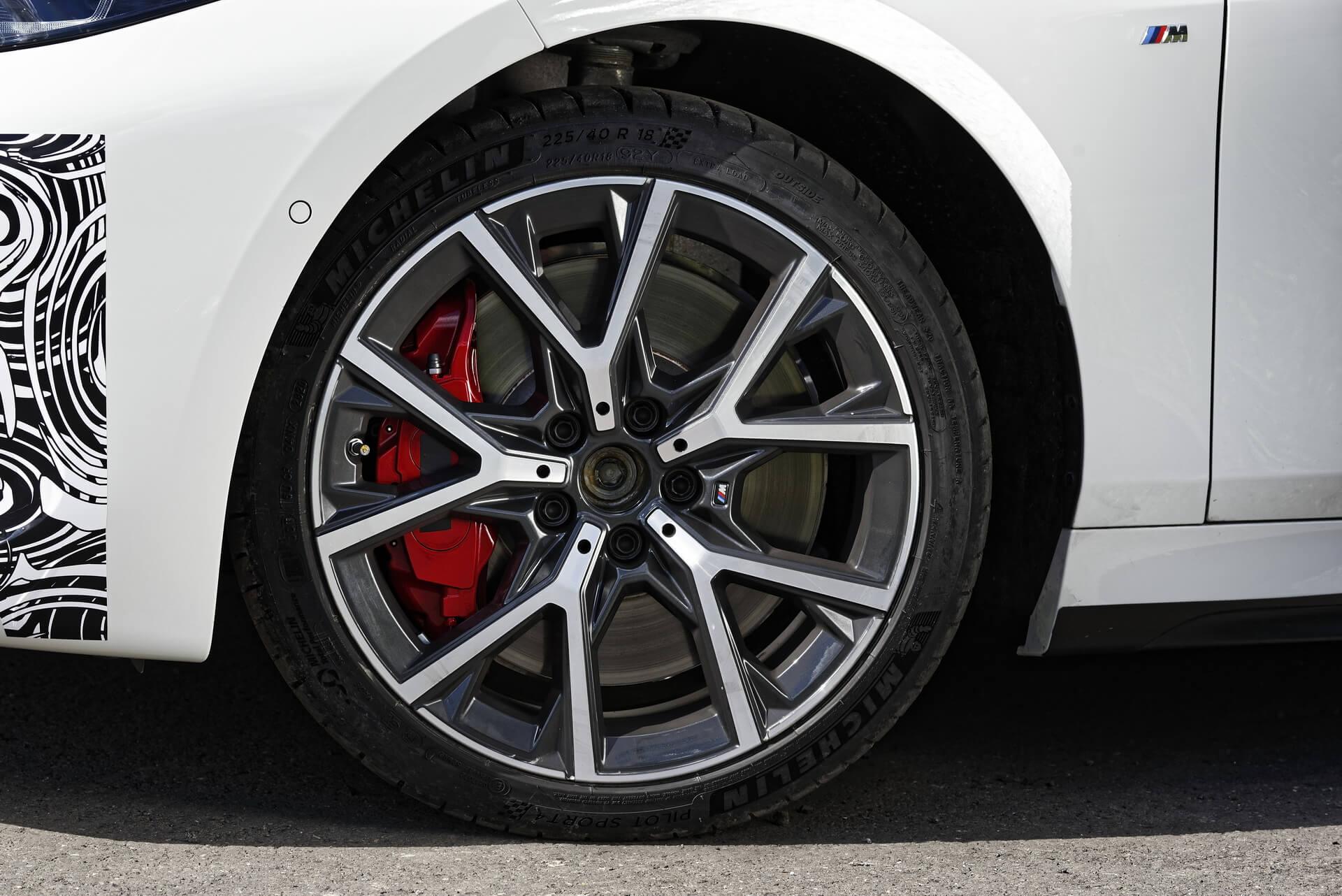 BMW 128ti: frenos.