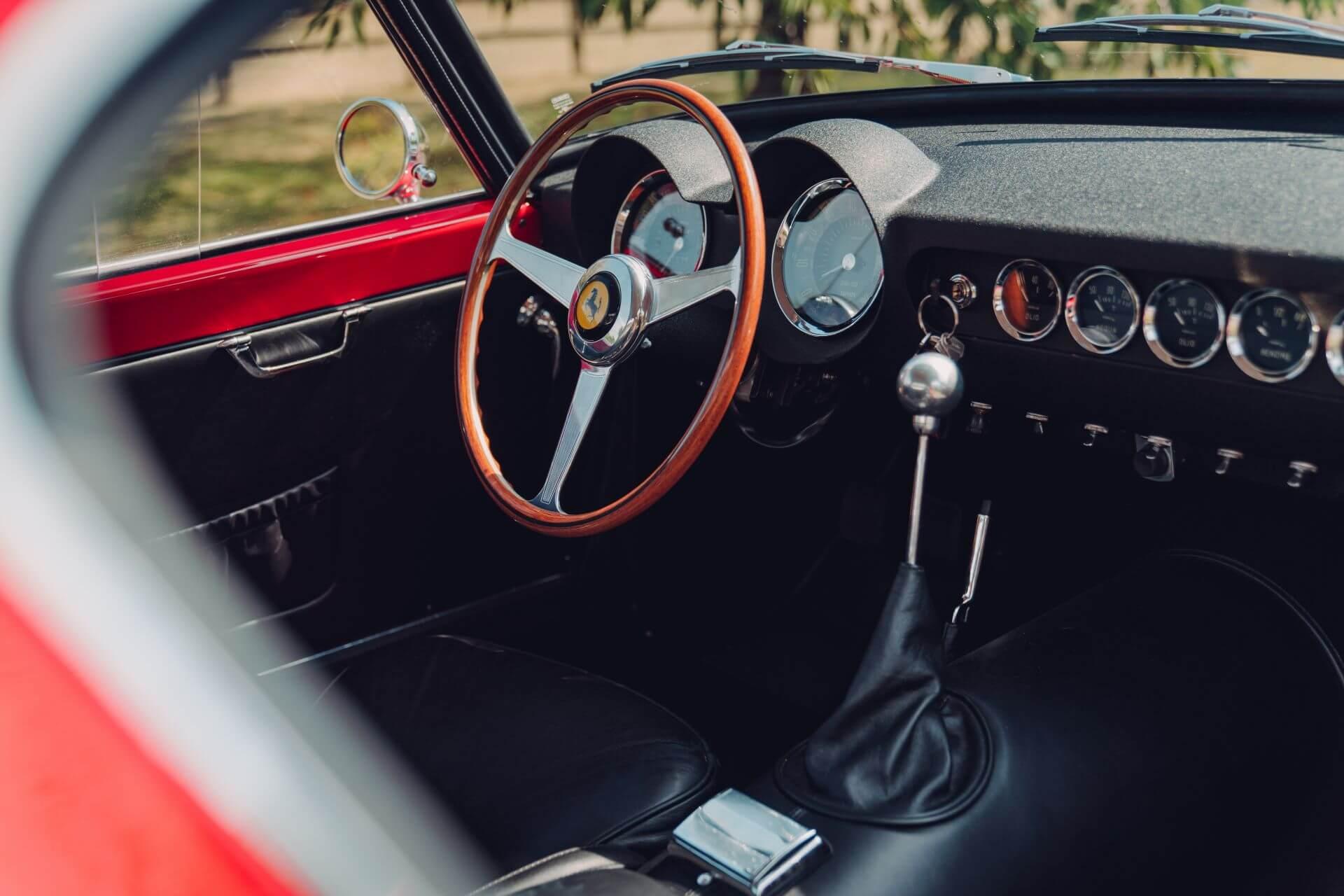 Ferrari 250 GT Revival: interior.