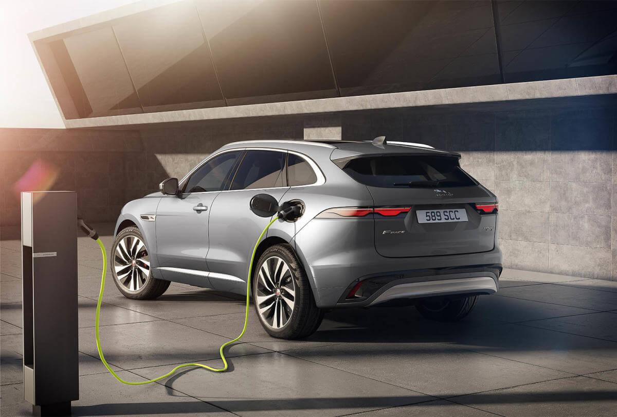 Jaguar F-Pace 2021, versión híbrida enchufable.