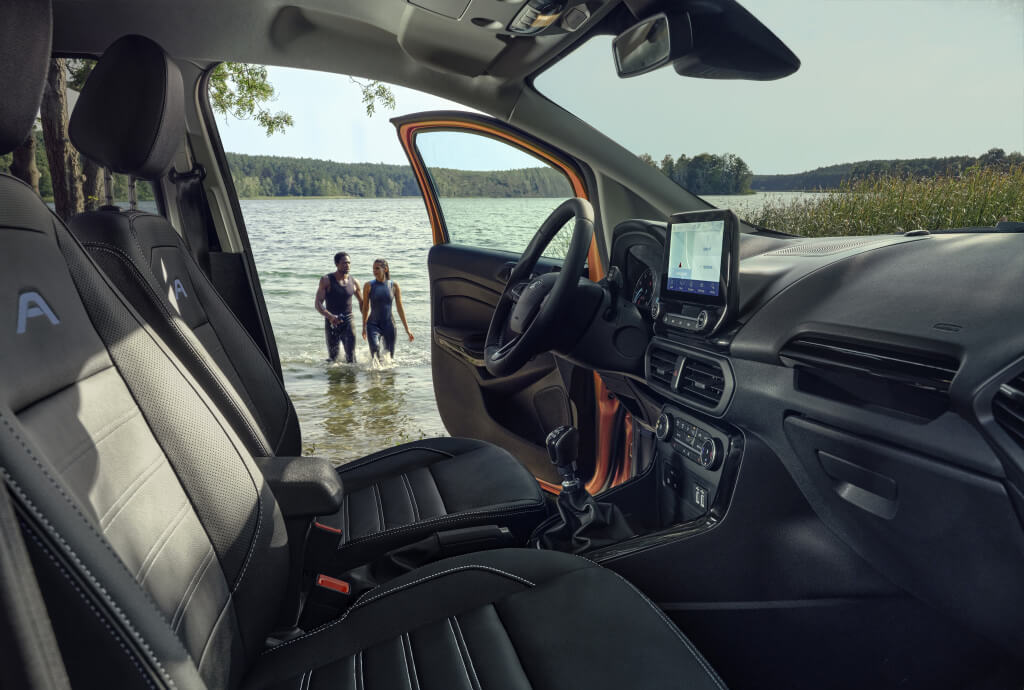 Ford EcoSport Active: interior.