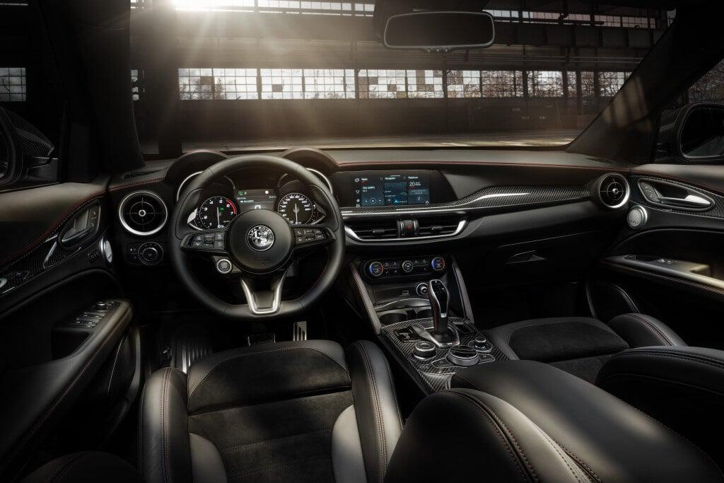 Alfa Romeo Stelvio Veloce Ti: interior.
