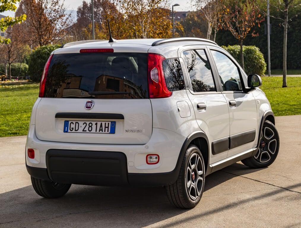 Fiat Panda City Life 2021: trasera.