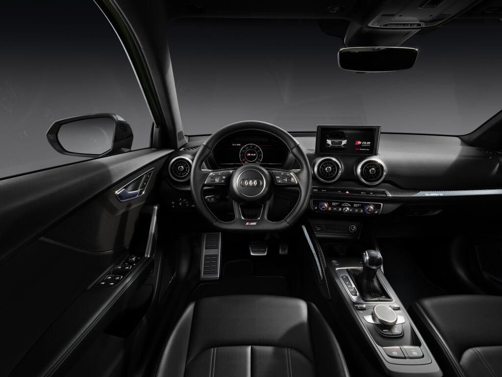 Audi SQ2 2021, interior.