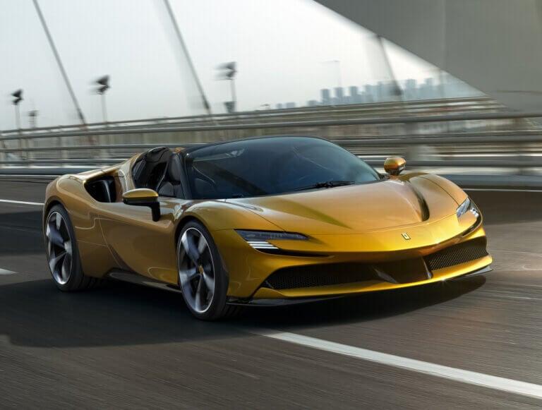Ferrari SF90 Spider, belleza italiana a cielo abierto