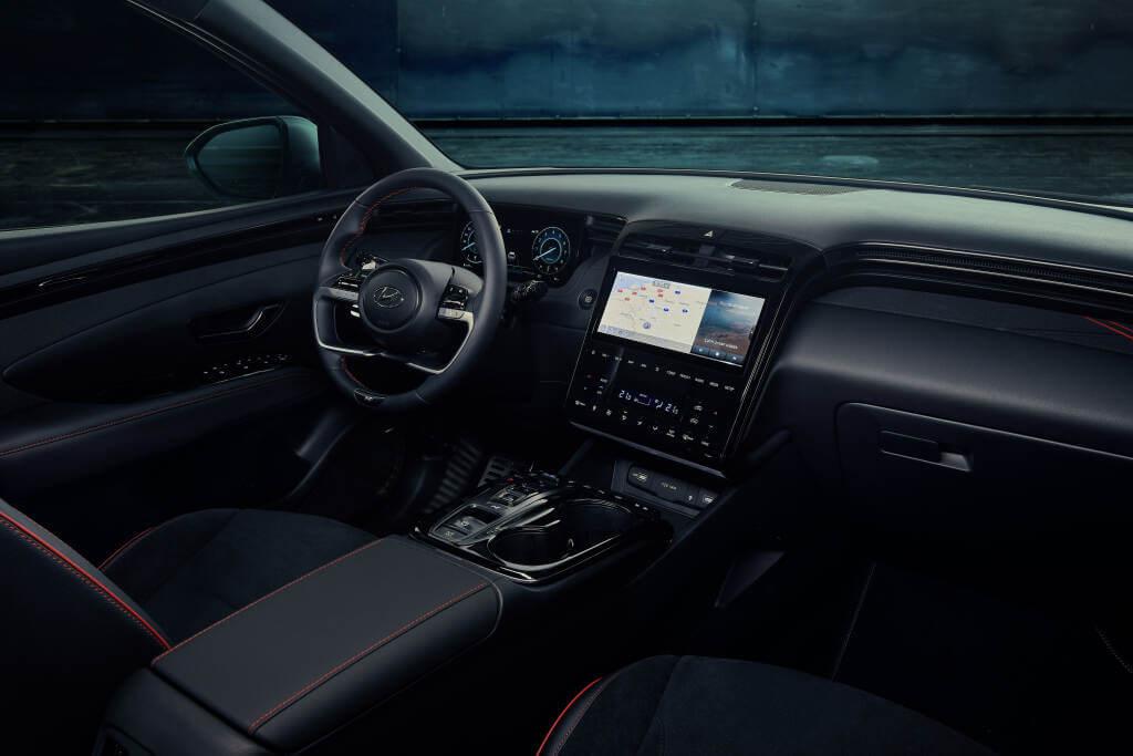 Hyundai Tucson N-Line: interior.