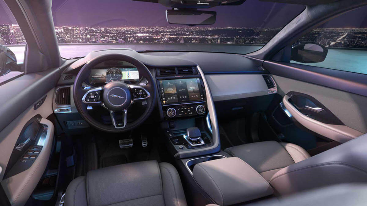 Jaguar E-Pace 2021, interior.