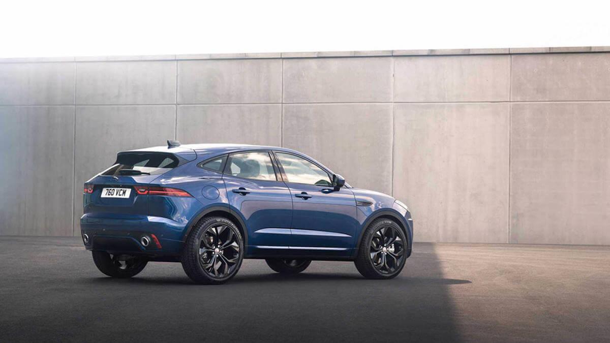 Jaguar E-Pace 2021, trasera.
