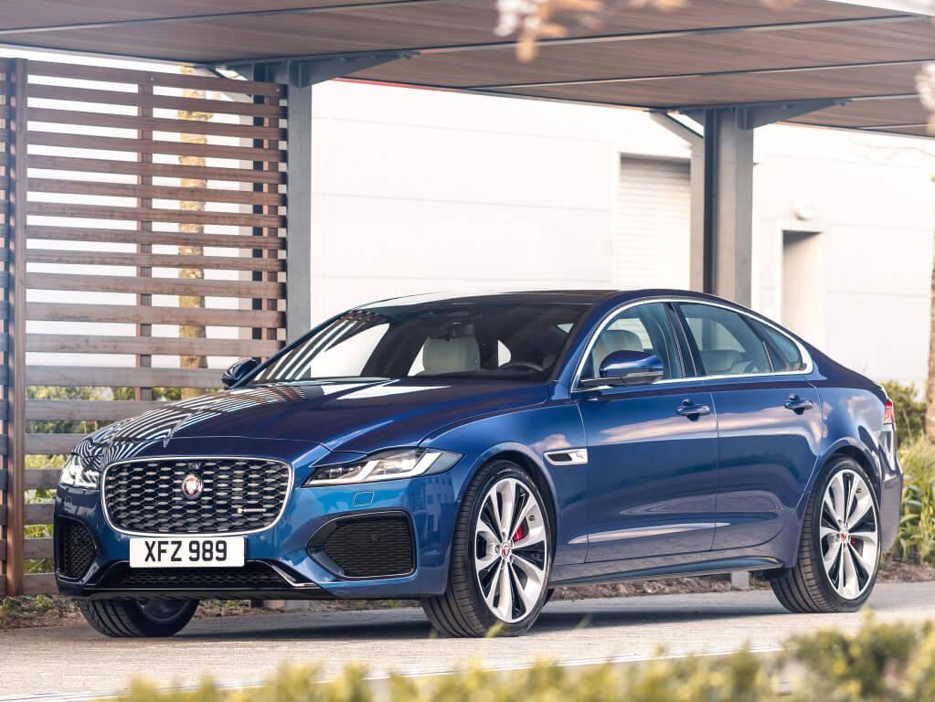 Jaguar XF 2021, imagen frontal.