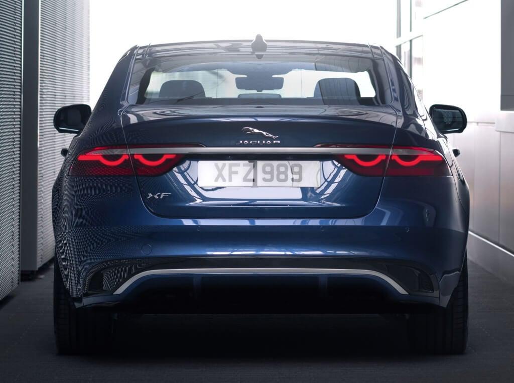Jaguar XF 2021, parte trasera.