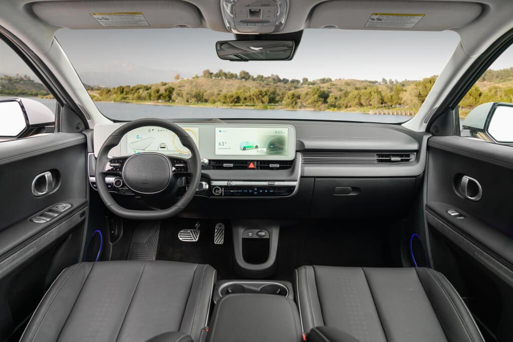 Hyundai IONIQ 5: interior.
