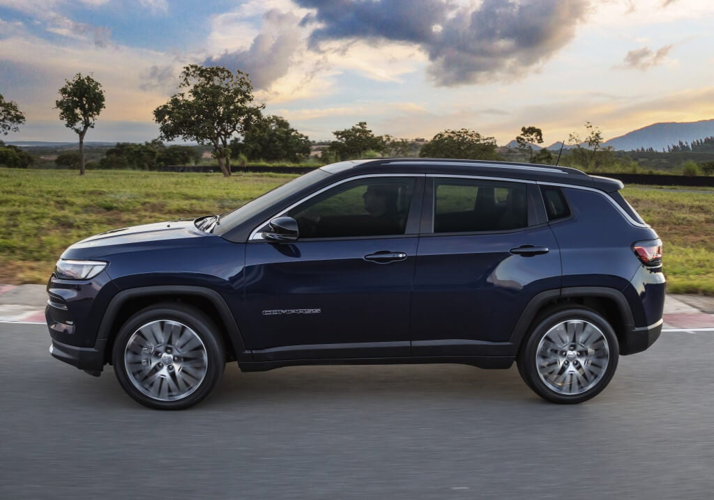 Jeep Compass 2021, vista lateral.