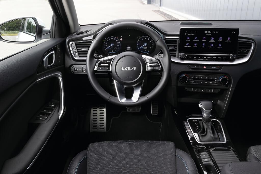 Kia Ceed 2022: interior.