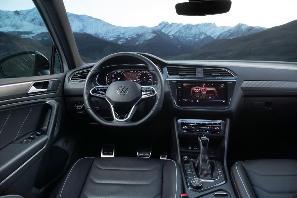 Salpicadero del Volkswagen Tiguan Allspace 2021.